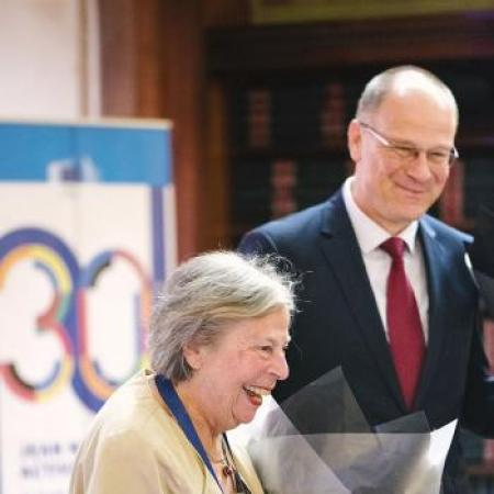 Jacqueline Lastenouse et le commissaire Tibor Navracsics lors de la conférence « 30 years of Jean Monnet Activities : Why study the European Union today? », 18 juin 2019, Bruxelles.